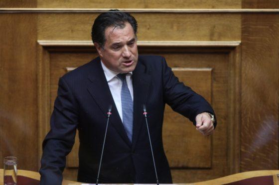 Επέπληξε δημοσιογράφους ο Γεωργιάδης για ερώτησή τους σχετικά με απευθείας ανάθεση